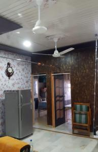Gallery Cover Image of 909 Sq.ft 2 BHK Apartment for rent in Bopal for 20000