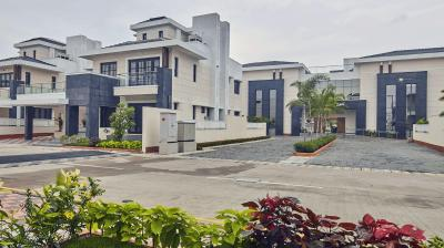 Gallery Cover Image of 2400 Sq.ft 4 BHK Villa for buy in Prestige Silver Springs, Panaiyur for 31200000
