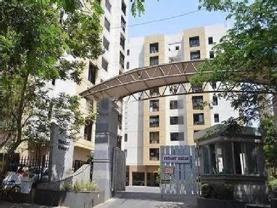 Gallery Cover Image of 687 Sq.ft 1 BHK Apartment for buy in Mulund West for 11900000
