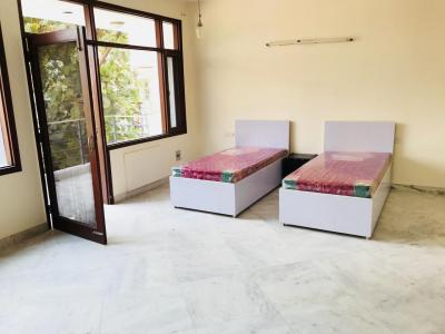 Bedroom Image of Urbanroomz in DLF Phase 2