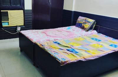 Bedroom Image of PG For Girls & Boy's Indirapuram in Vaibhav Khand