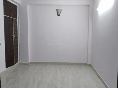 Gallery Cover Image of 910 Sq.ft 2 BHK Apartment for rent in RWA Khirki Extension Block R, Malviya Nagar for 18000