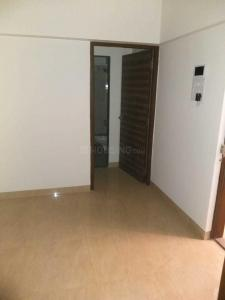 Gallery Cover Image of 610 Sq.ft 1 BHK Apartment for rent in Andheri East for 32000