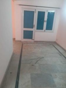 Gallery Cover Image of 1500 Sq.ft 3 BHK Apartment for rent in Patparganj for 23000
