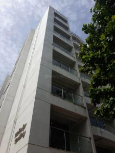 Gallery Cover Image of 800 Sq.ft 1 BHK Apartment for buy in Byculla for 25000000