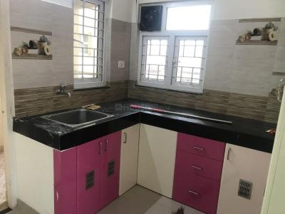 Gallery Cover Image of 1200 Sq.ft 3 BHK Independent Floor for rent in Sholinganallur for 20000