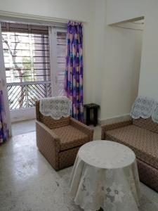 Gallery Cover Image of 650 Sq.ft 1 BHK Apartment for rent in Kanakia Park, Kandivali East for 25000