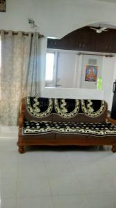 Gallery Cover Image of 1200 Sq.ft 2 BHK Apartment for rent in Naranpura for 17500