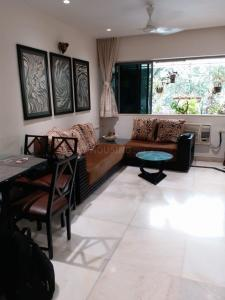 Gallery Cover Image of 700 Sq.ft 1 BHK Apartment for rent in Bandra West for 53000