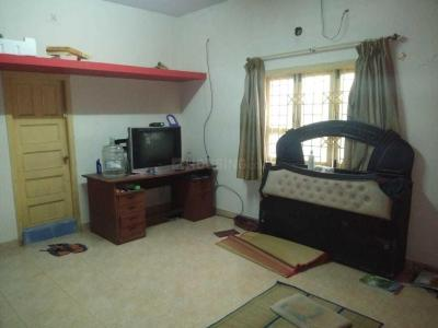 Gallery Cover Image of 1200 Sq.ft 1 BHK Independent House for rent in Palavakkam for 22400