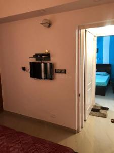 Gallery Cover Image of 1265 Sq.ft 3 BHK Apartment for buy in Paras Tierea, Sector 137 for 5186500