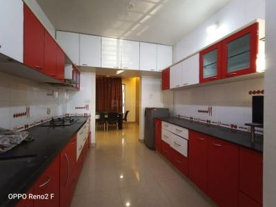 Gallery Cover Image of 2000 Sq.ft 3 BHK Apartment for rent in Aundh for 40000