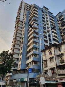 Gallery Cover Image of 660 Sq.ft 1 BHK Apartment for buy in Safa Marwah Tower, Mazgaon for 12500000