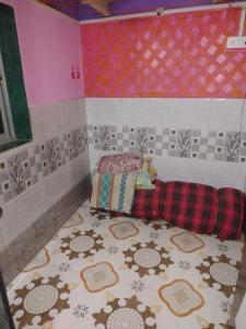 Gallery Cover Image of 300 Sq.ft 1 RK Independent House for buy in Malad West for 2000000