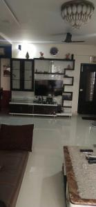 Gallery Cover Image of 1100 Sq.ft 2 BHK Apartment for rent in Goregaon West for 60000