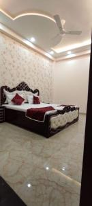 Gallery Cover Image of 1350 Sq.ft 3 BHK Independent Floor for buy in Shakti Khand for 7300000