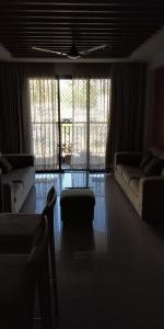 Gallery Cover Image of 1200 Sq.ft 3 BHK Apartment for rent in Kandivali East for 49000