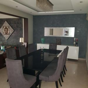 Gallery Cover Image of 2367 Sq.ft 3 BHK Villa for buy in Vipul Tatvam Villas, Sector 48 for 43500000