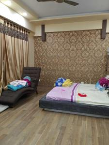 Gallery Cover Image of 3528 Sq.ft 4 BHK Apartment for buy in Urbana, Nazirabad for 40000000