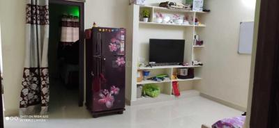 Gallery Cover Image of 650 Sq.ft 2 BHK Apartment for rent in Kondapur for 15000