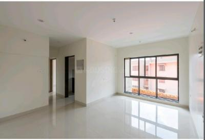 Gallery Cover Image of 649 Sq.ft 1 BHK Apartment for buy in Rustomjee Meridian, Kandivali West for 9600000