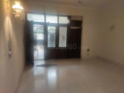 Gallery Cover Image of 900 Sq.ft 3 BHK Independent Floor for buy in Jangpura for 10000000