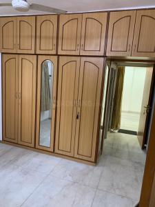 Gallery Cover Image of 1100 Sq.ft 2 BHK Apartment for rent in Prabhadevi for 60000
