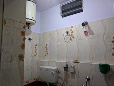 Common Bathroom Image of Mahimalur Gents PG in Shivaji Nagar