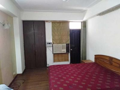 Gallery Cover Image of 1500 Sq.ft 2 BHK Apartment for rent in Siddhi Vinayak Apartment, Abhay Khand for 13000