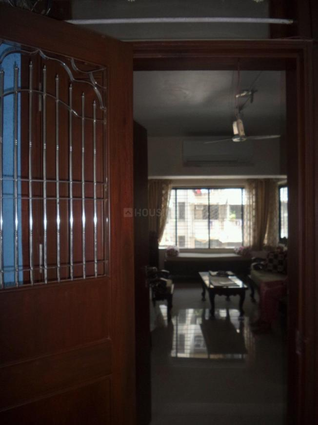 Main Entrance Image of 1000 Sq.ft 2 BHK Apartment for buy in Prabhadevi for 40000000