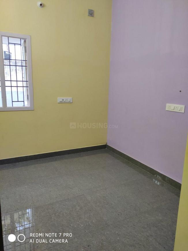 Bedroom Image of 900 Sq.ft 2 BHK Independent House for rent in Kolathur for 13000