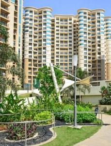 Gallery Cover Image of 1150 Sq.ft 2 BHK Apartment for rent in Nahar Amrit Shakti, Powai for 52000