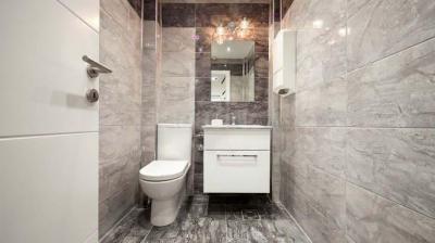 Bathroom Image of 702 Sq.ft 2 BHK Apartment for buy in Shraddha Vertica, Vikhroli East for 13500000