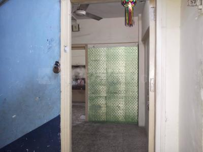 Gallery Cover Image of 315 Sq.ft 1 BHK Apartment for rent in Malad West for 15000