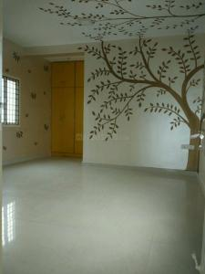 Gallery Cover Image of 1300 Sq.ft 2 BHK Apartment for rent in Velachery for 18000