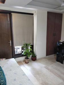 Gallery Cover Image of 2000 Sq.ft 3 BHK Independent Floor for rent in RWA East of Kailash Block E, Greater Kailash for 60000
