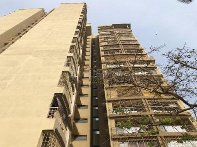 Gallery Cover Image of 750 Sq.ft 1 BHK Apartment for buy in Madina Tower, Malad West for 10200000