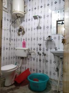 Bathroom Image of Yash PG in Katwaria Sarai