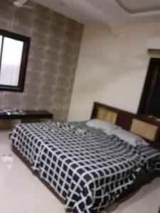 Gallery Cover Image of 750 Sq.ft 2 BHK Apartment for rent in Colaba for 90000
