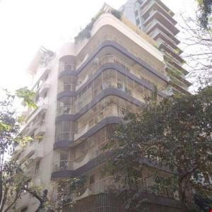 Gallery Cover Image of 1250 Sq.ft 2 BHK Apartment for rent in Khar West for 105000