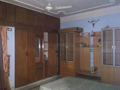 Gallery Cover Image of 1500 Sq.ft 3 BHK Apartment for rent in Vasant Kunj for 50000