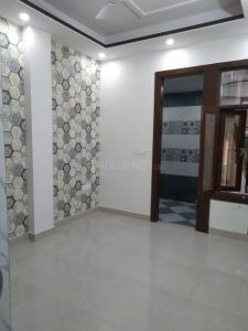 Gallery Cover Image of 2400 Sq.ft 4 BHK Independent Floor for buy in Kaushambi for 12800000