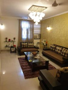 Gallery Cover Image of 2230 Sq.ft 4 BHK Apartment for rent in MK MK Residency, Sector 11 Dwarka for 59000
