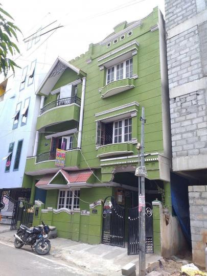 बीटीएम लेआउट में महेंद्र रेड्डी पीजी में बिल्डिंग की तस्वीर