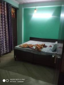 Gallery Cover Image of 1800 Sq.ft 3 BHK Independent House for rent in Sector 50 for 26000