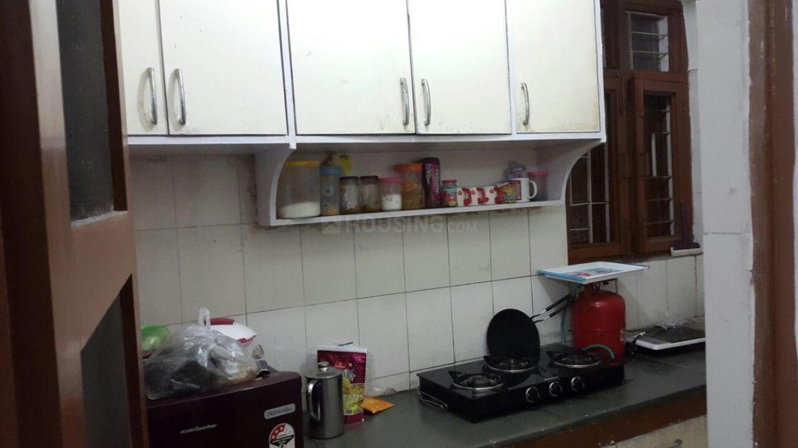 Kitchen Image of 600 Sq.ft 1 BHK Apartment for rent in Jasola Vihar for 15000