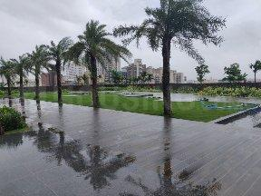 Gallery Cover Image of 1010 Sq.ft 2 BHK Apartment for buy in Sheth Auris Ilaria, Malad West for 13900000