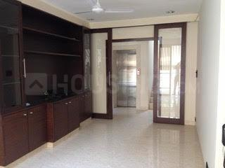 Gallery Cover Image of 3120 Sq.ft 4 BHK Apartment for rent in Juhu for 300000