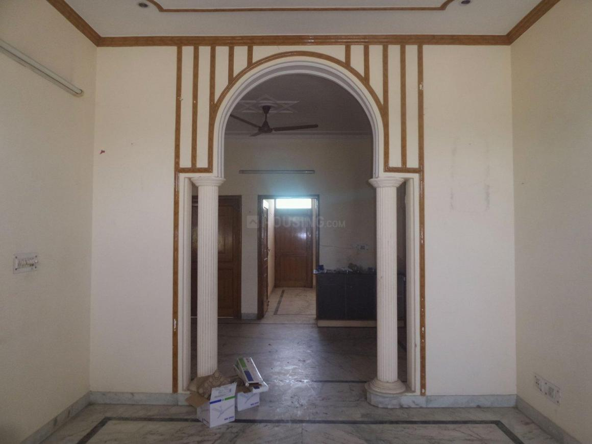 Living Room Image of 2250 Sq.ft 3 BHK Independent House for rent in Sector 28 for 18000