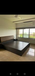 Gallery Cover Image of 450 Sq.ft 1 RK Apartment for rent in Sea Lord , Cuffe Parade for 60000